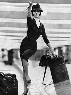 Simone D'Aillencourt for Harper's Bazaar, January photo by Lillian Bassman. Sarah Moon, Paolo Roversi, Peter Lindbergh, Vintage Vogue, Norman, Vintage Fashion Photography, Glamour, Portraits, 1960s Fashion