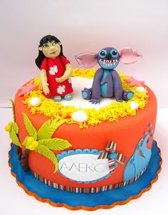 Stitch is painful to look at here, no offense, but the fondant detail is good
