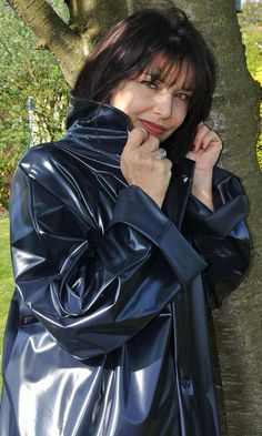 Vinyl Raincoat, Plastic Raincoat, Yellow Raincoat, Imper Pvc, Rain Bonnet, Rubber Raincoats, Rain Suit, Pvc Coat, Oscar De La Renta