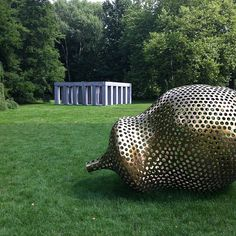 Sharing my photos of a very special place: Middelheim museum Antwerp. Sculpture, green and much more.