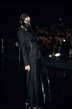 Alexander McQueen Spring 2000 Ready-to-Wear Fashion Show Collection