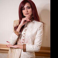 Pakistani Bridal Makeup, Pakistani Couture, Pakistan Fashion Week, Casual Suit, Pakistani Actress, Celebs, Celebrities, High Neck Dress, Street Style