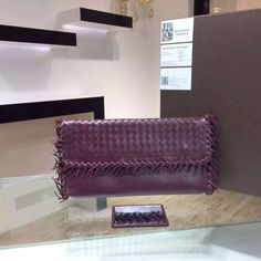 Top Designer Handbags, Big Handbags, Handbags On Sale, Fashion Handbags, Leather Handbags, Cheap Backpacks For Girls, Backpack Brands, Discount Handbags, Red Handbag