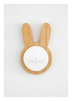 Wooden bunny mirror #kidsroom #mirrorsforkids #mirrordesign Find more inspirations at www.circu.net