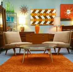 Great mix of furniture ...