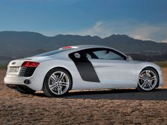 Audi R8 2007 wallpaper by iSphere App (flickr 5264285117) • side view desert sky line