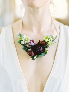 2018 wedding flower trends - fresh flower necklace - bridal style - maroon flower - succulent - creative and unique bridal jewelry Bridal Shoot, Wedding Shoot, Diy Wedding, Bridal Accessories, Bridal Jewelry, Flower Jewelry, Flower Shoes, Floral Wedding, Wedding Flowers