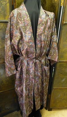 Vintage Bill Blass Silk Robe Paisley Print Loungewear Sleepwear One Size  Mens Lingerie Smoking Jacket Made in the USA 6fbfdb1da