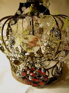 The Crown of Heaven MIXED MEDIA ASSEMBLAGE CROWN by peregrine blue, via Flickr Royal Crowns, Tiaras And Crowns, Invisible Crown, Royal Beauty, Diy Crown, Paper Crowns, Bohemian Gypsy, Cool Diy, Altered Art