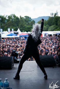 Noora Louhimo Battle Beast band