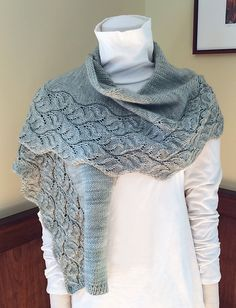 Ravelry: Oscilla Wrap pattern by Angela Hahn