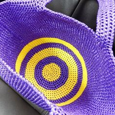 plusichica ぐるぐるぐるぐる 中をのぞいても可愛い  #編み物 #底 #バッグ #手編み #crochet #instacrochet #inside #bag #summerstyle #fashion #creative #craft #sunday #2015 #handmade #purple #yellow #playwithcolors #makeyousmile