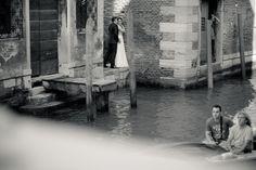 Trash the dress in Venice www.cristinaroteliuc.com