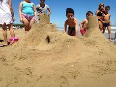 giochi in spiaggia #interntionalcamping #pineto #abruzzo #italy #spiaggia #beach #sea #mare #sabbia #estate #divertimento #allegria #sole #sun #summer