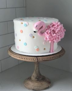 This flamingo tho Birthday cake! This flamingo tho Mini Cakes, Cupcake Cakes, Flamingo Cake, Flamingo Birthday, Hawaian Party, Gateaux Cake, Cake Makers, Salty Cake, Cute Cakes