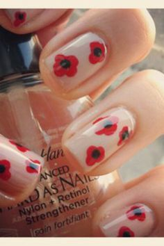Poppy nail art added by shenail*dit