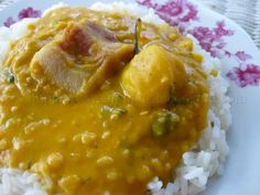 Split Peas and Rice with Pigtail - Simply Trini Cooking Pea Recipes, Indian Food Recipes, Cooking Recipes, Ethnic Recipes, Trinidadian Recipes, Dhal Recipe, Trini Food, Split Peas, Bon Appetit