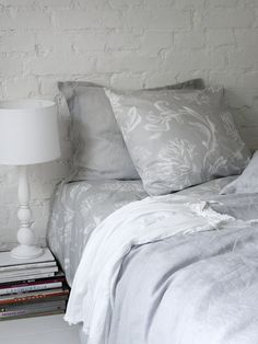 Riviera Duvet Cover Set | Pentik | Riviera duvet cover set is decorated with low-key floral patterns.