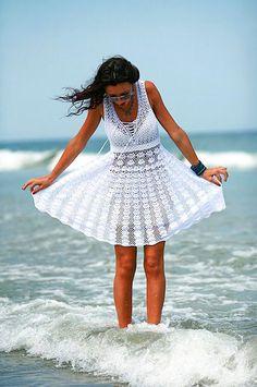 Robe d'été tendances de la mode au CROCHET crochet blanc exclusif - sur mesure
