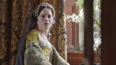 With these 13 Essentials of Wolf Hall, Episode The Devil's Spit, revisit the episode's most important plot points, and the events that brought King Henry to the doors of Wolf Hall. Anne Boleyn Tudors, Wolf Hall, Damian Lewis, Tudor Fashion, Queen Of England, Episode Online, King Queen, Queen Anne, Beautiful Costumes