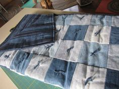 Blue Jean Quilt Tutorial | Quilting In The BunkHouse: Happy Camper Denim Quilt