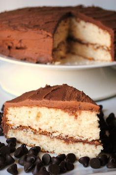 Food recipes miracle: Quick Yellow Cake with Homemade Chocolate Frosting
