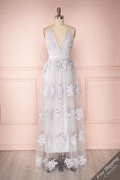 Blue grey embroidered floral pattern tulle maxi dress with open-back. Shop now! Dance Outfits, Dance Dresses, Grad Dresses, Evening Dresses, Formal Dresses, Tulle Dress, Casual, Gowns, Fashion Outfits