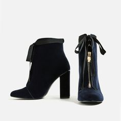 Zara High Heel Velvet Ankle Boots—kind of like these? might have too much going on though Velvet Ankle Boots, Velvet Shoes, High Heel Boots, Ankle Booties, Bootie Boots, Shoe Boots, Zara Boots, Frauen In High Heels, Look Cool
