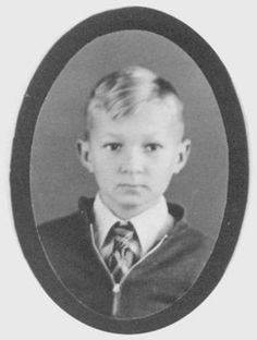 10 year old Wayne Scott Arnold was a victim of a gas explosion in his school in New London Texas on March Texas City Explosion, Galveston Hurricane, Arnold Photos, New London, Criminology, Tornadoes, Fifth Grade, Grave Memorials
