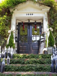 Welcome to HGTV Holiday House with fresh new ideas for holiday decorating! #hgtvholidays http://www.hgtv.com/decorating-basics/outdoor-christmas-decorating-ideas/pictures/index.html?soc=hpp
