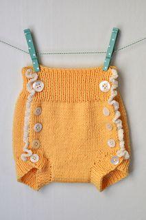 Diaper cover by Maja Karlsson - FREE pattern
