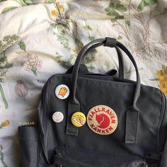 Mochila Kanken, Kanken Backpack, Aesthetic Backpack, Mens Fashion, Fashion Trends, Beauty Hacks, Backpacks, Workout, My Style