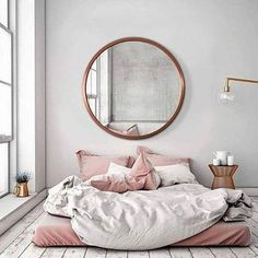 Girl Room Decor Ideas - How can I clean my room in 5 minutes? Girl Room Decor Ideas - How can I clean my room in 1 minute? Bedroom Inspo, Home Bedroom, Bedroom Decor, Bedroom Ideas, Bedroom Inspiration, Mirror Bedroom, Master Bedroom, Design Bedroom, Kids Bedroom