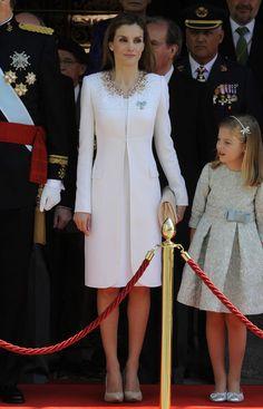 La reina Letizia de blanco como en todos sus eventos trascendentales