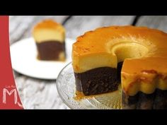 Get Chocoflan Recipe from Food Network Flan Cake, Custard Cake, Mexican Food Recipes, Sweet Recipes, Cake Recipes, Magic Chocolate Cake, Chocolate Custard, Impossible Cake, Chocoflan Recipe