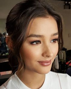 Most recent Screen Bridal Makeup for filipino Thoughts Bridal makeup appears to be worth it to read every gal offers a goal to have the ideal bridesmaid ma makeup asian<br> Asian Wedding Makeup, Bridal Makeup Looks, Asian Makeup, Wedding Hair And Makeup, Wedding Beauty, Hair Makeup, Bride Makeup Asian, Liza Soberano, Make Up Looks