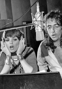 Liza Minnelli and Alice Cooper. ☚I think this is recording Teenage Lament  74