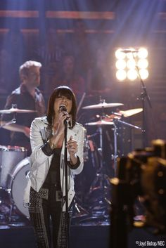 "Phantogram performs ""Black Out Days"" http://www.latenightwithjimmyfallon.com/blogs/2013/10/phantogram-black-out-days/"