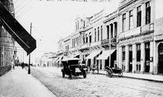 Rua XV de Novembro 1913. Foto: Acervo Ippuc. Arquivo - Os primeiros movimentos do planejamento urbano de Curitiba - Álbum - Prefeitura de Curitiba