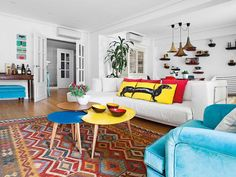 Art Symphony: Cheerful and Colorful Apartment in Spain Living Room Colors, Living Room Designs, Living Room Decor, Colorful Apartment, Sala Grande, Inside Home, Bohemian House, Home Interior Design, House Colors