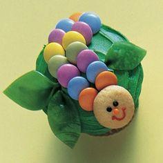cupcake decorating - cute little catipiller