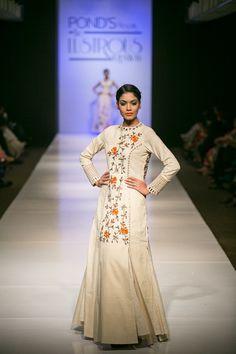 Internationa Fashion Show, Proudly Promoting Khadi #khadicollection #mirrorstory…