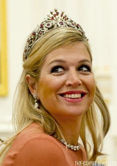 Queen (then Princess) Maxima of the Netherlands wears the Ruby Peacock Tiara during a state visit to Oman, 10 January 2012 Royal Tiaras, Tiaras And Crowns, Royal Dutch, Royal Jewelry, Queen Maxima, Crown Royal, Crown Jewels, Headpiece, Peacock