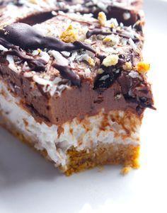 Tarte crémeuse coco-chocolat (avec crème de coco, margarine, biscuits et chocolat en tablettes