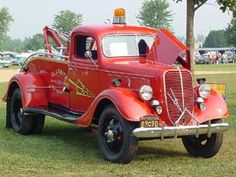 1937 FORD TOW TRUCK