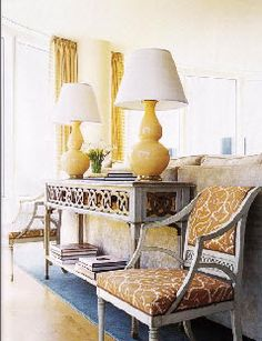 great console, yellow gourd lamps