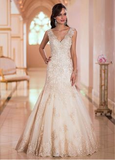 CHARMING ORGANZA V-NECK NATURAL WAISTLINE MERMAID WEDDING DRESS SEXY LADY LACE FORMAL PROM BRIDESSMAID