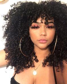 Motivos para cortar as pontas do seu cabelo cacheado. Baddie Hairstyles, Curled Hairstyles, Hair Inspo, Hair Inspiration, Pelo Afro, Curly Girl, Big Hair, Hair Goals, Naturally Curly