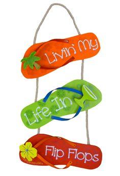 Flip flop hanging!!! Bebe'!!! Cute for summer!!!