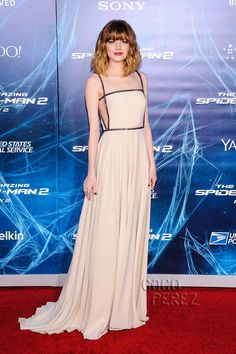 Emma Stone makes a striking entrance at The Amazing Spider-Man 2's NYC premiere!